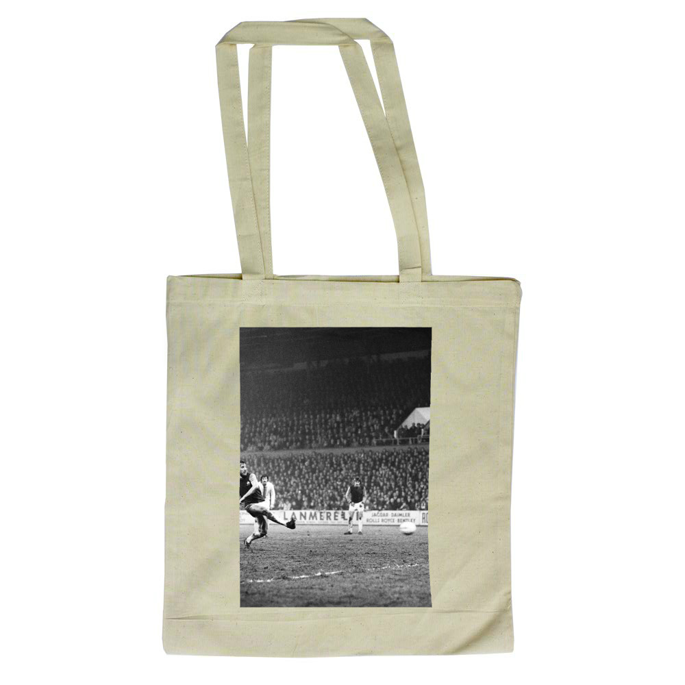 European Cup Winners Cup, West Ham 3 v Den Haag 1. Billy Bonds shoots for.. Tote Bag