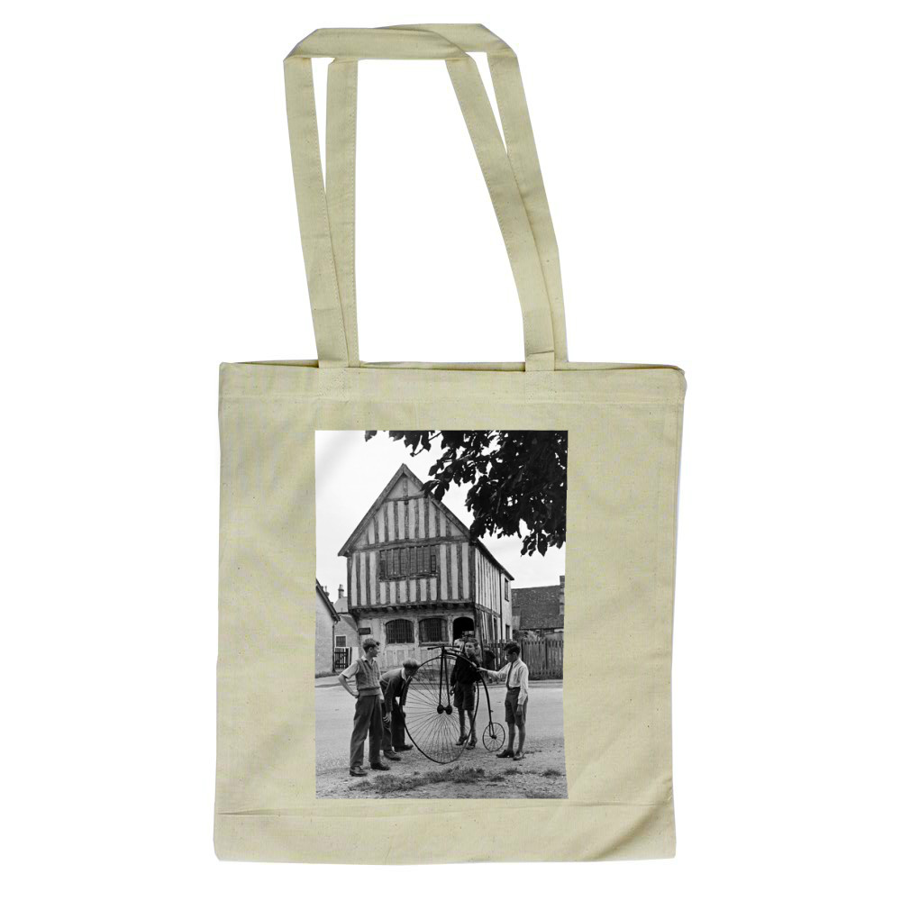 Village Museum run by children - .. Tote Bag