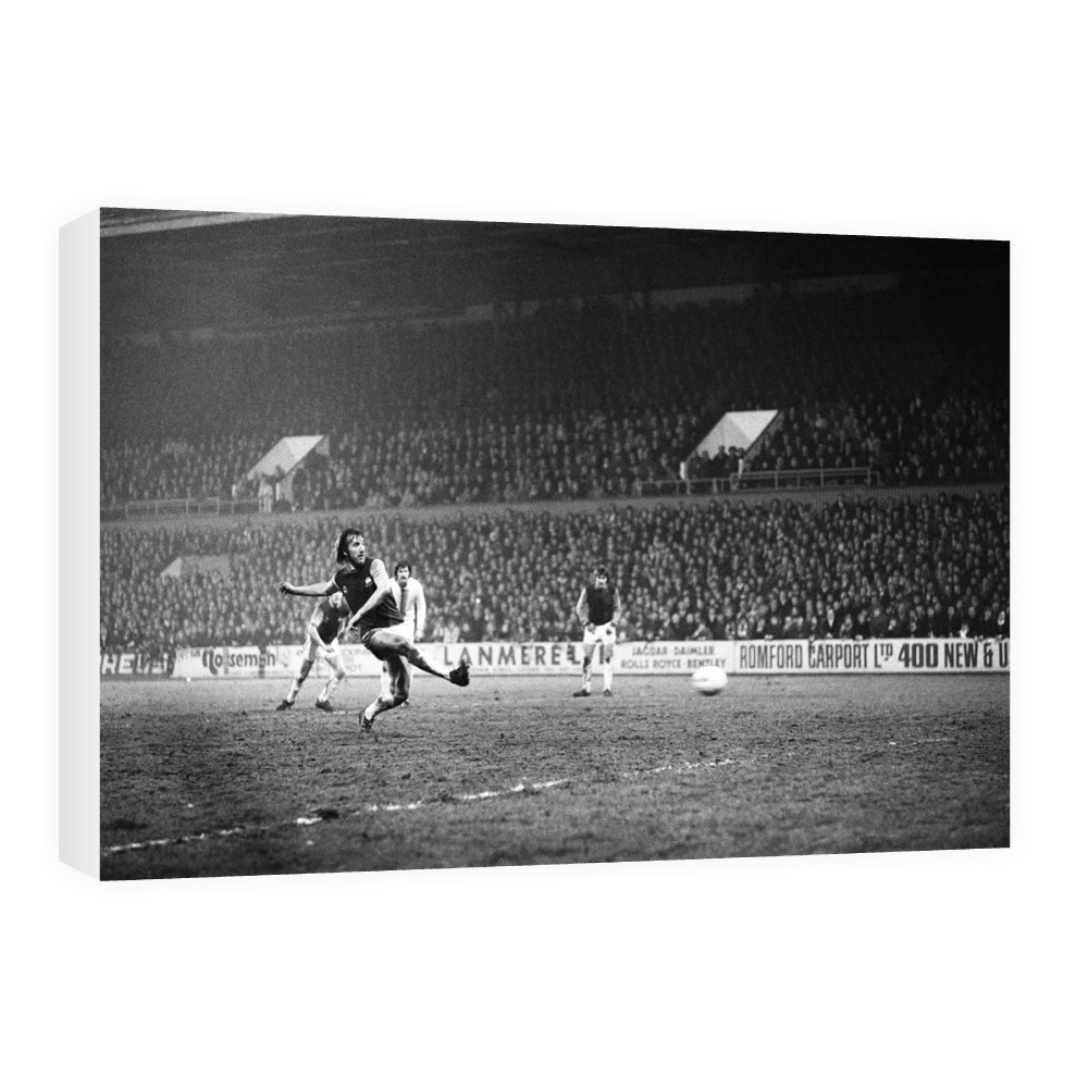 European Cup Winners Cup, West Ham 3 v Den Haag 1. Billy Bonds shoots for.. Canvas