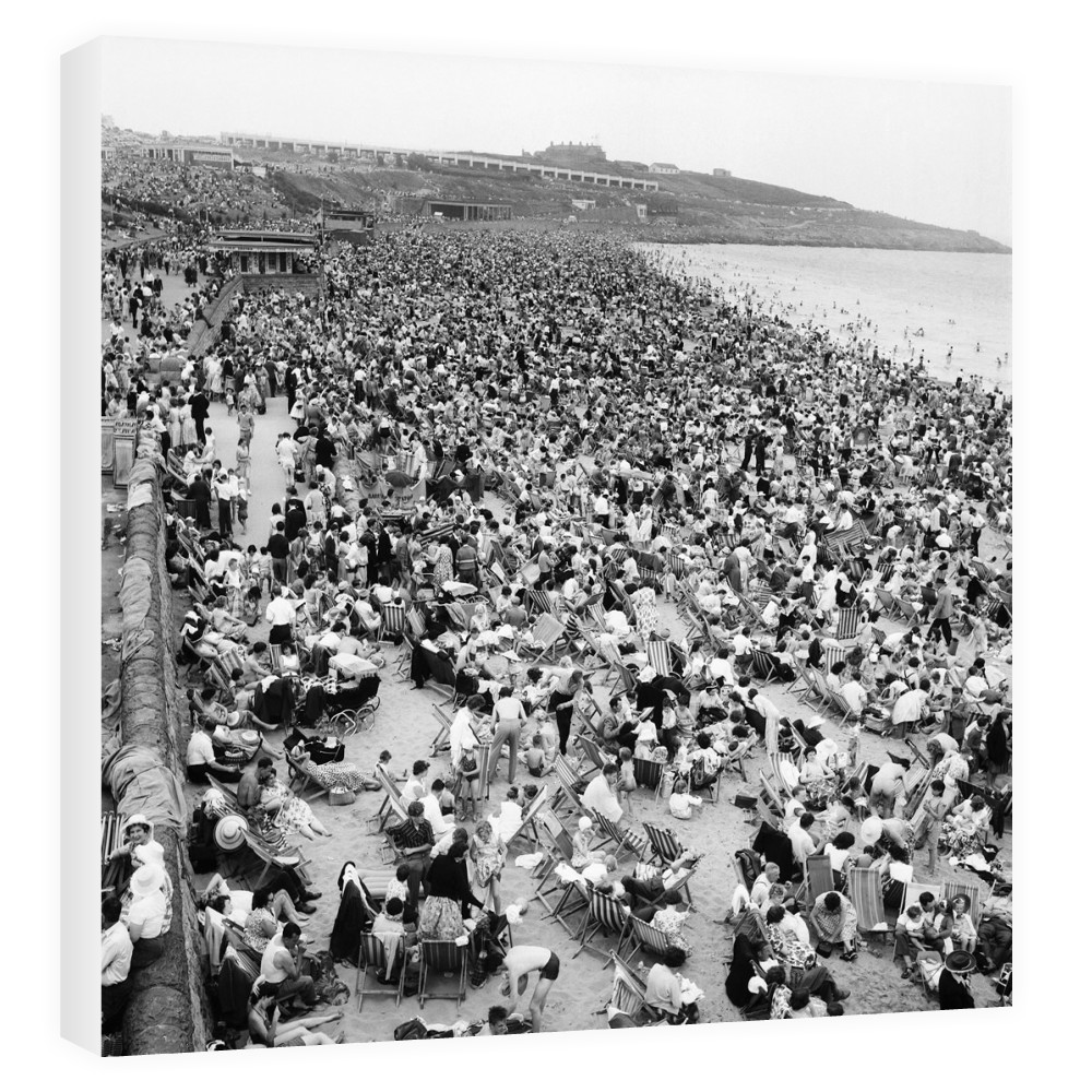 Holiday Crowds at Barry Island: The fantastic holiday crowds which took.. Canvas