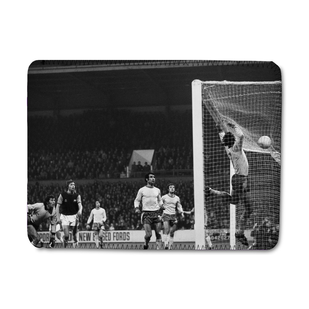 European Cup Winners Cup. West Ham v Ararat Yerevan, 5th November 1975. iPad Sleeve
