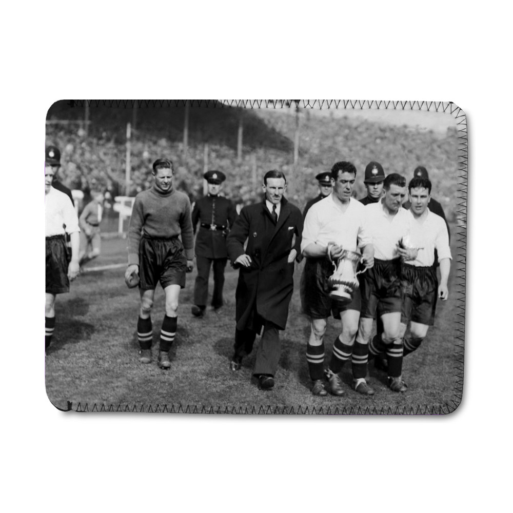 1933 FA cup final at Wembley. Everton 3 v Manchester City 0. Everton's.. iPad Sleeve