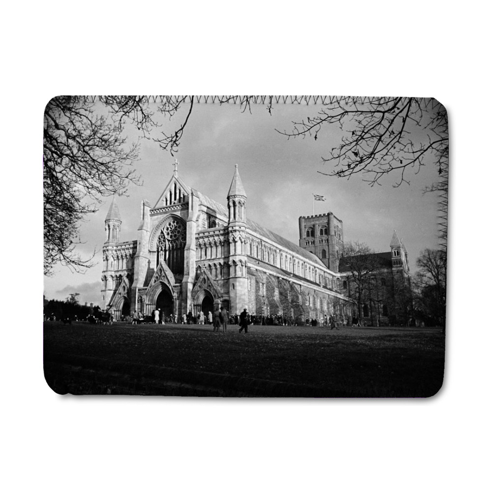St Albans Cathedral, Hertfordshire... iPad Sleeve