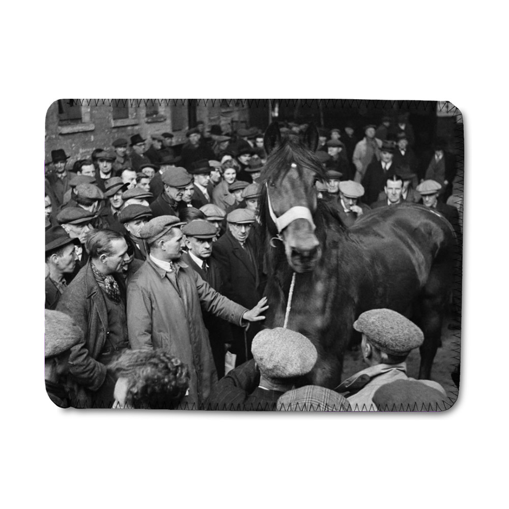 Cart and Van Horse Auction, New Kent.. iPad Sleeve