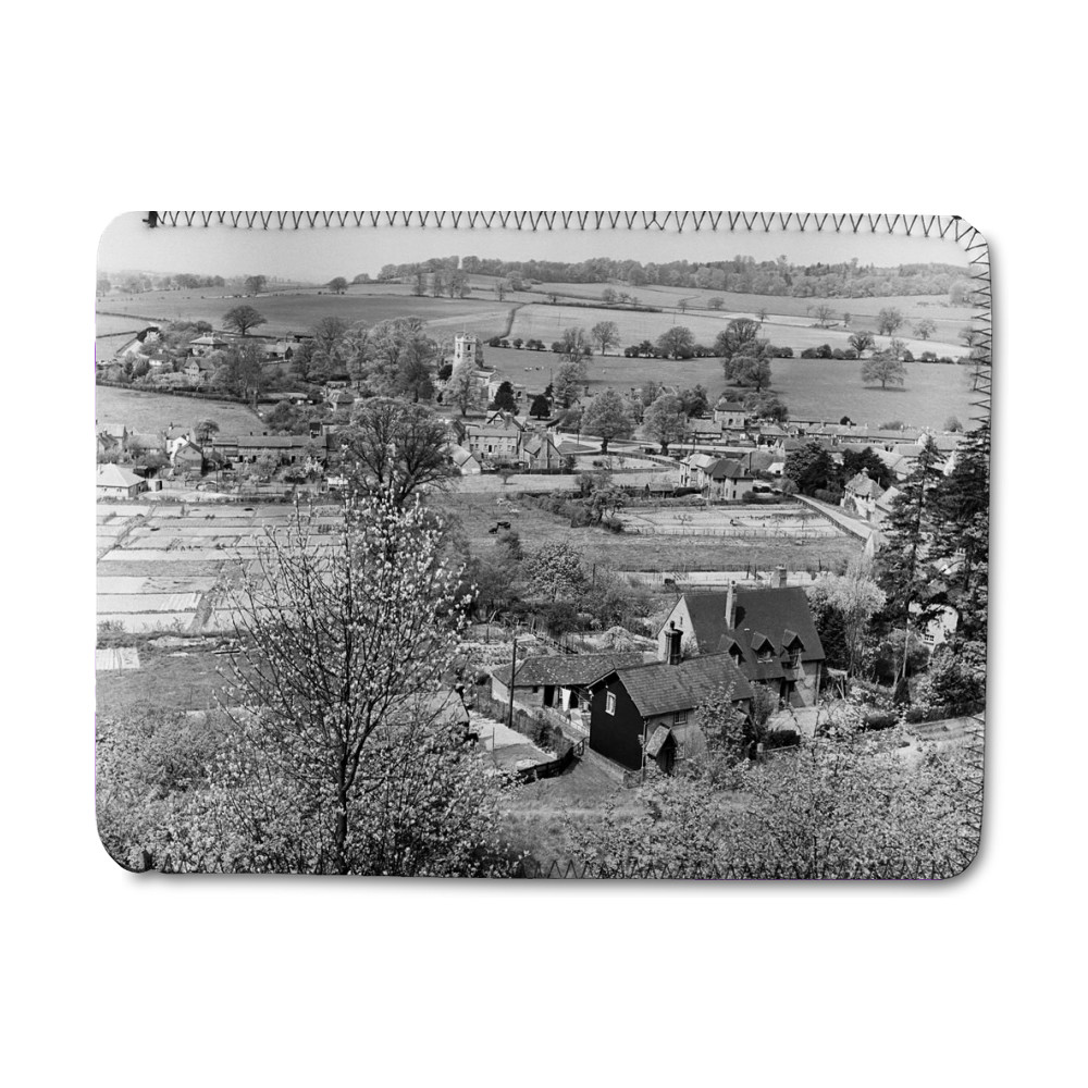 Views of Aldbury Village, near Tring in.. iPad Sleeve