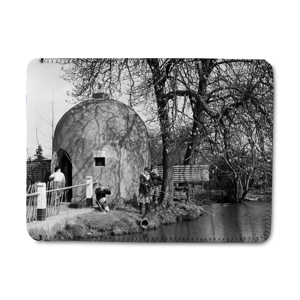 The Cage and village pond in Shenley,.. iPad Sleeve