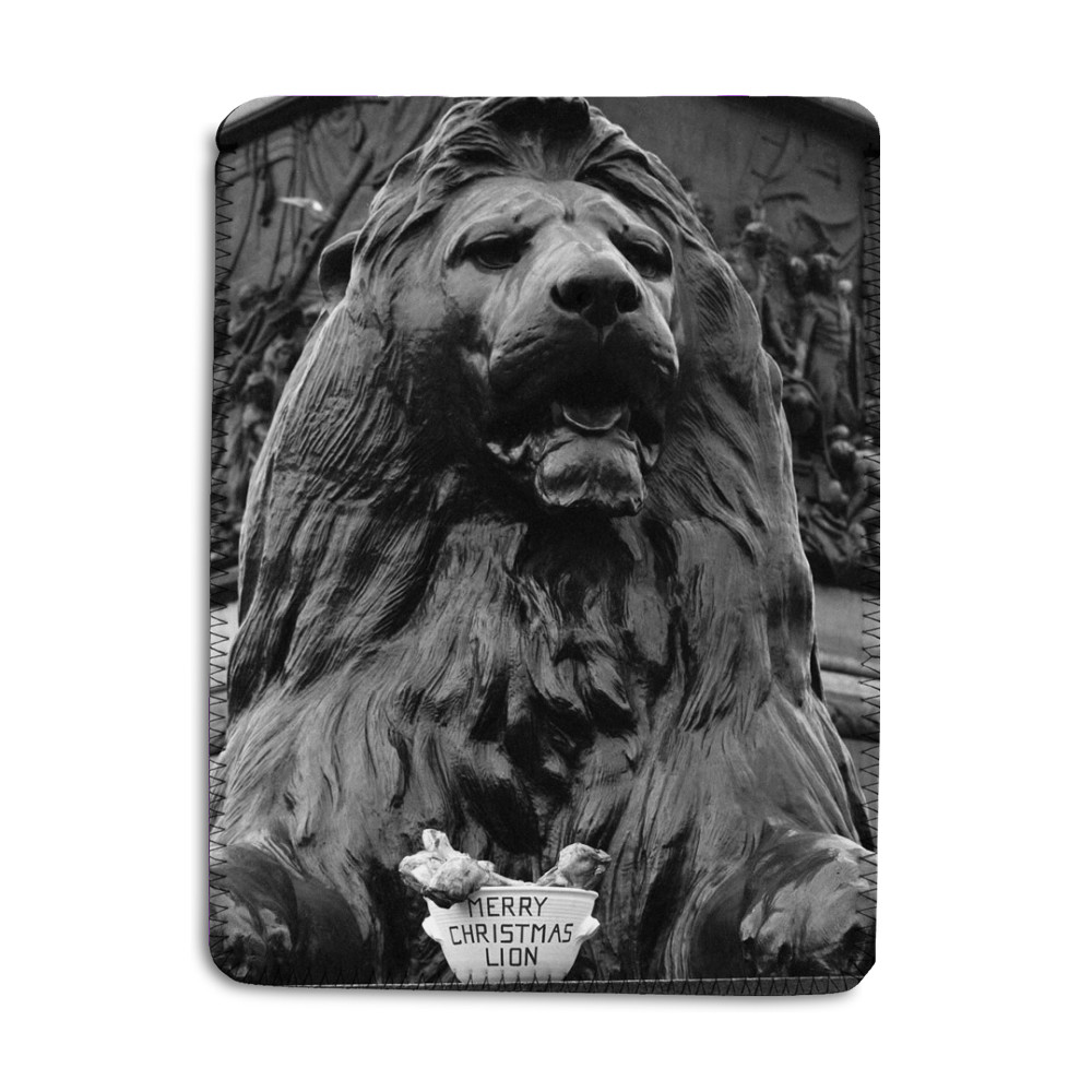 A seasonal gift for Nelson's lion, 1975 iPad Sleeve