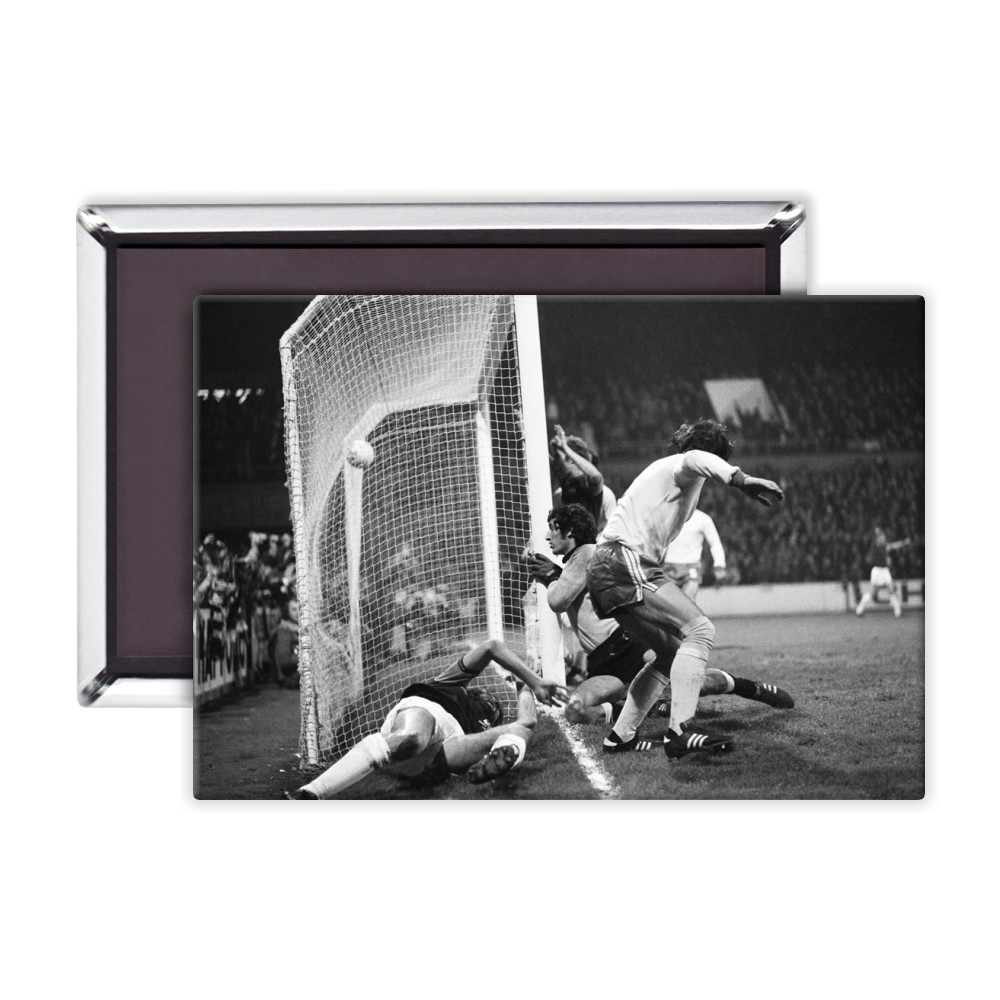 European Cup Winners Cup. West Ham v Ararat Yerevan, 5th November 1975. Magnet