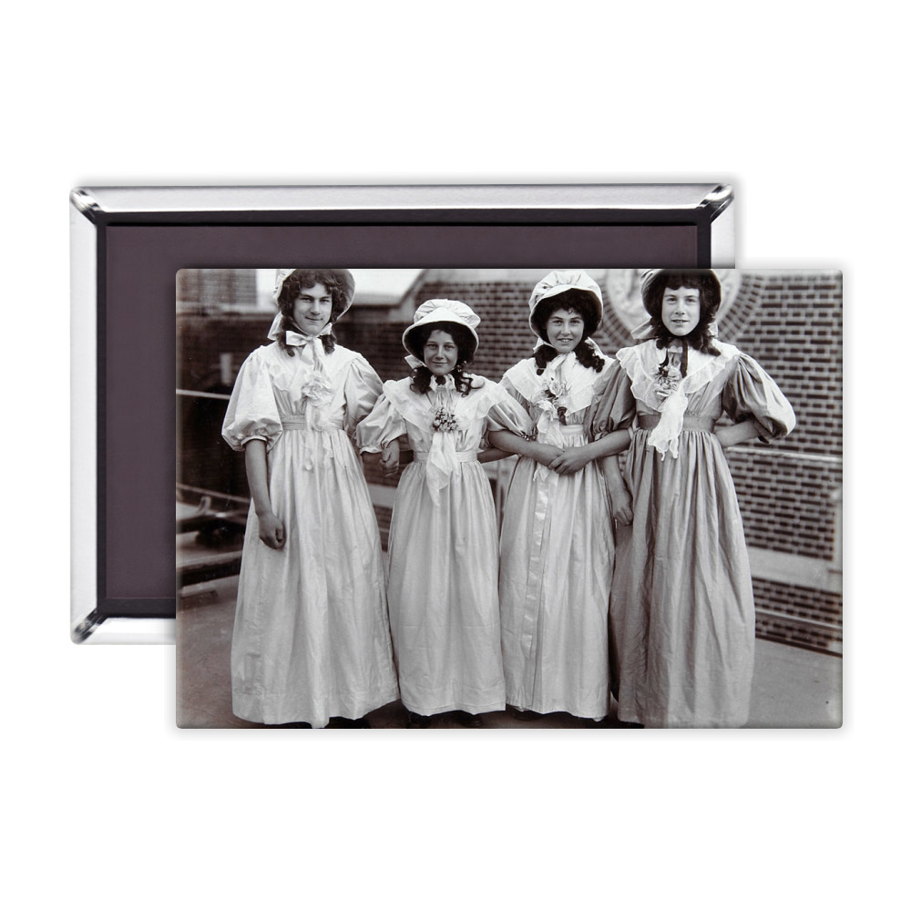 The Chorus Girls Magnet