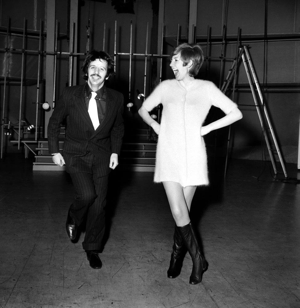 Beatles drummer Ringo Starr with pop singer Cilla Black. Art Print