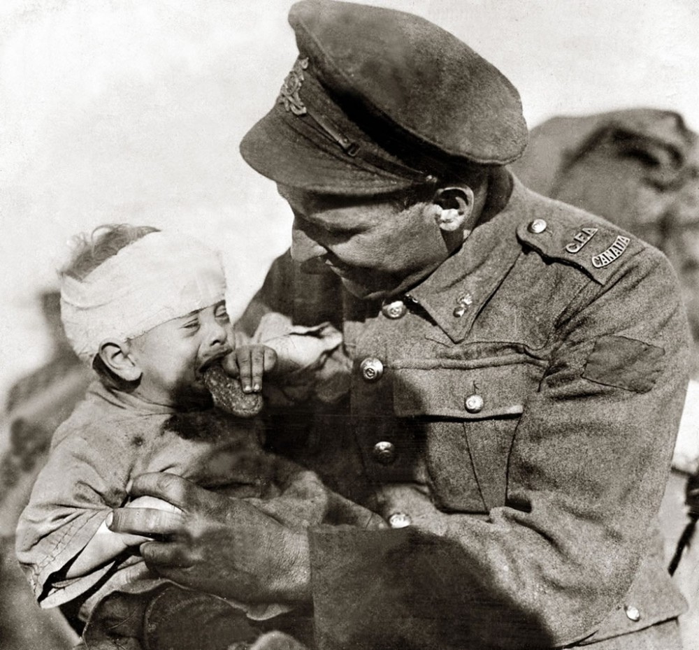 Canadian soldier with Belgian baby, 1918 - Art Print Art Print