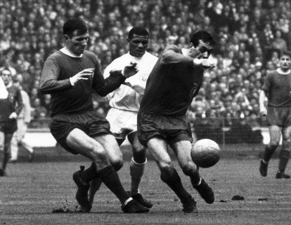 1965 FA Cup Final, 1 May 1965 at Wembley Stadium. Liverpool vs Leeds. l-r.. Art Print