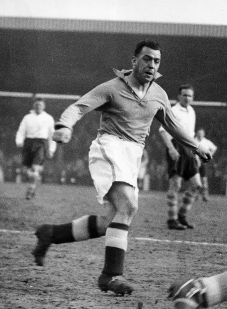 Dixie Dean in action for Everton. 16th April 1937. Art Print