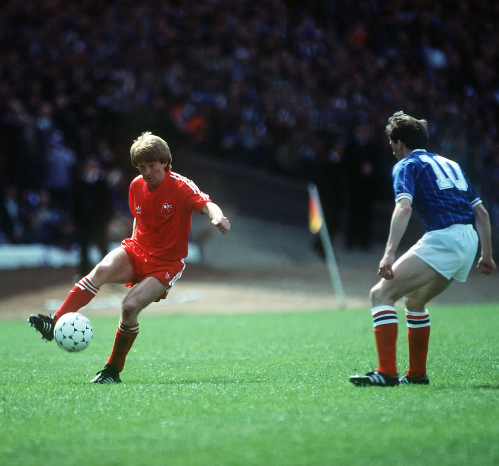 Gordon Strachan in action for Aberdeen.. Art Print