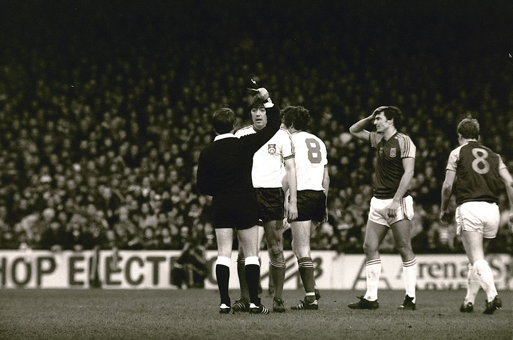 FA Cup 3rd round at Upton Park, January 1981. West Ham United v Wrexham. A.. Art Print