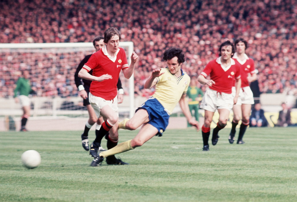 1976 FA Cup Final at Wembley, May 1976. Southampton 1 v Manchester United.. Art Print