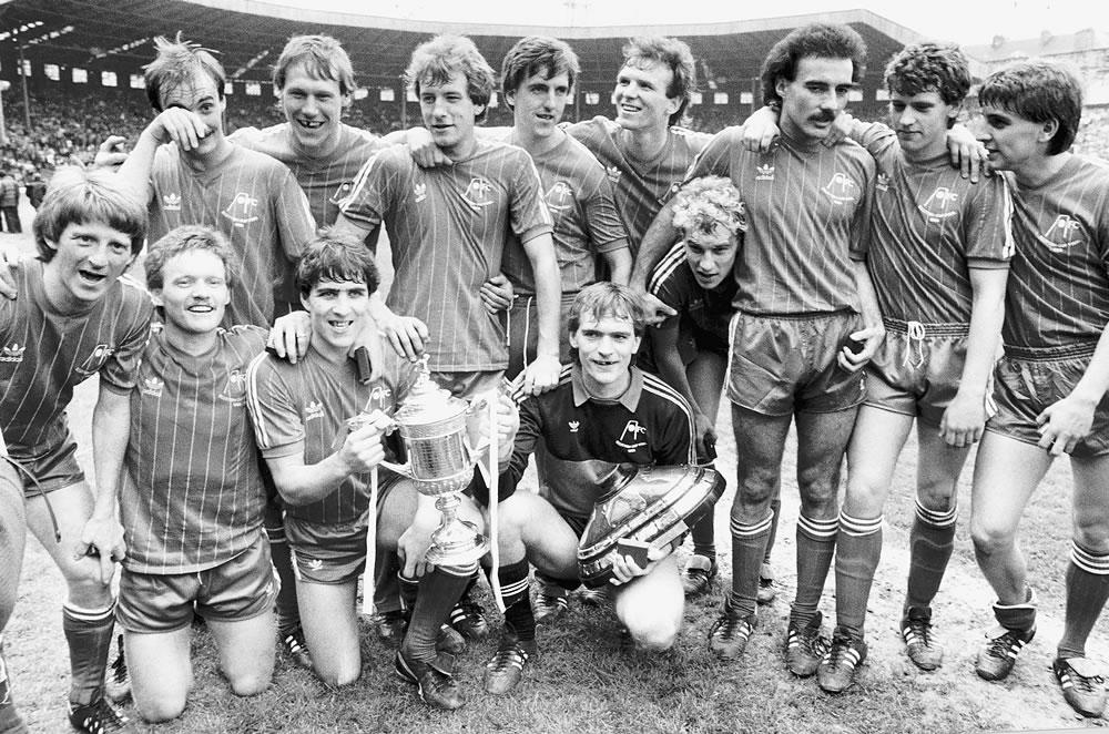 Aberdeen football team celebrates after.. Art Print