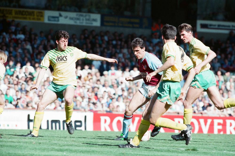 Aston Villa v Norwich City, league match at Villa Park April 1990.   .. Art Print