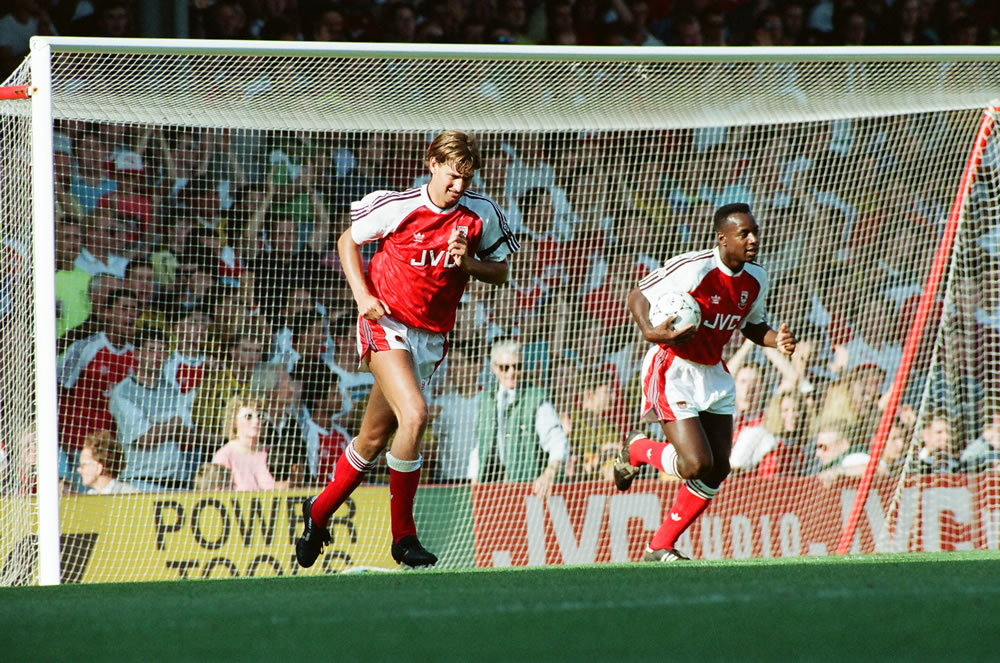 Arsenal 1 v. Coventry 2. Tony Adams and.. Art Print