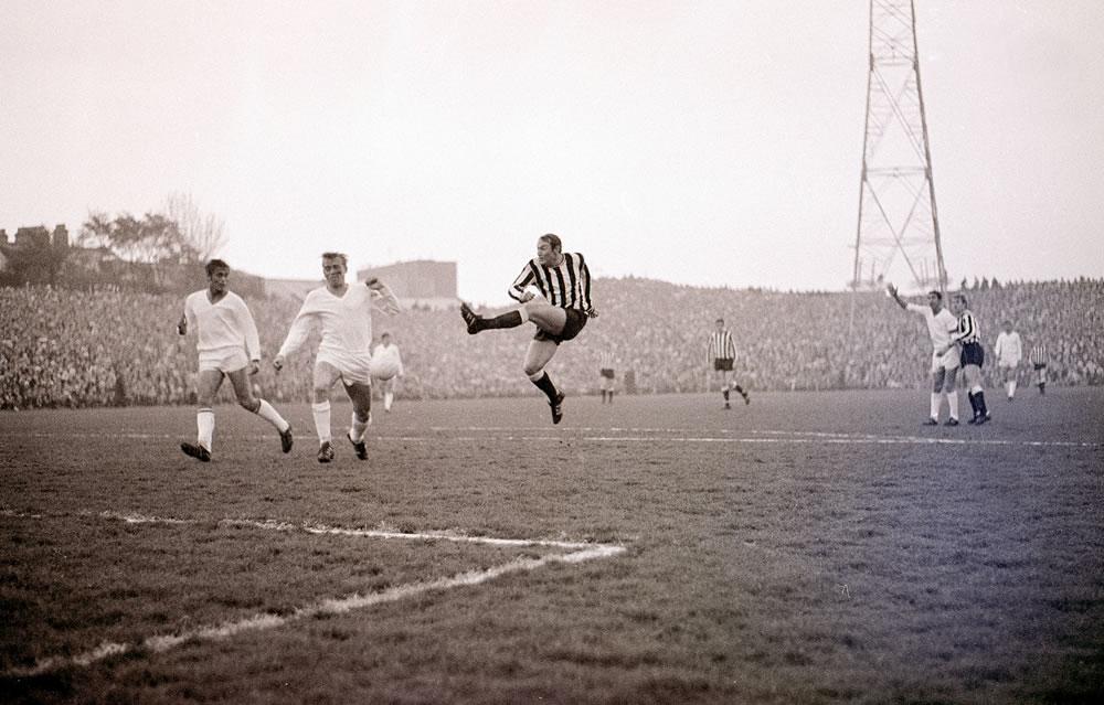 Brian Pop Robson shoots for goal during the Newcastle United v òjpest.. Art Print