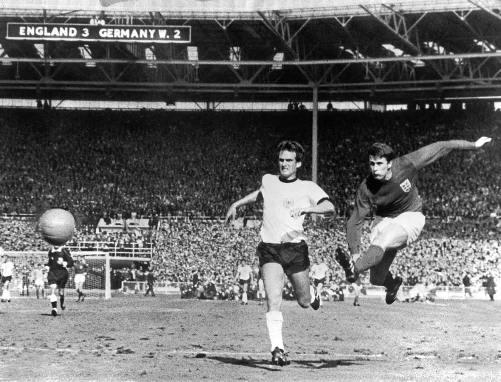 1966 World Cup Final Art Print