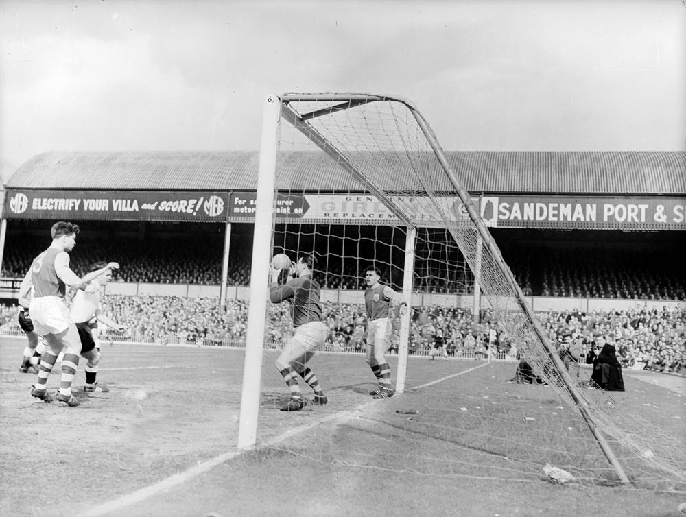 1962 FA Cup Semi Final, Burnley v.. Art Print