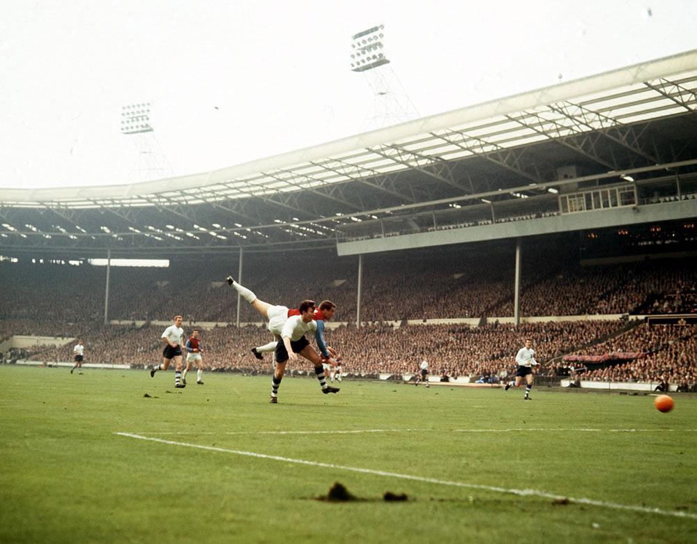 1964 FA Cup Final, West Ham United v Preston North End. 2nd May 1964. Art Print