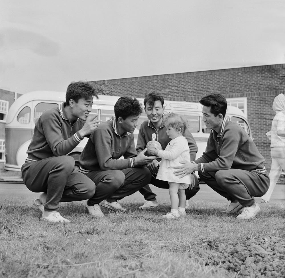 1966 World Cup : North Korean team meet a young fan Art Print