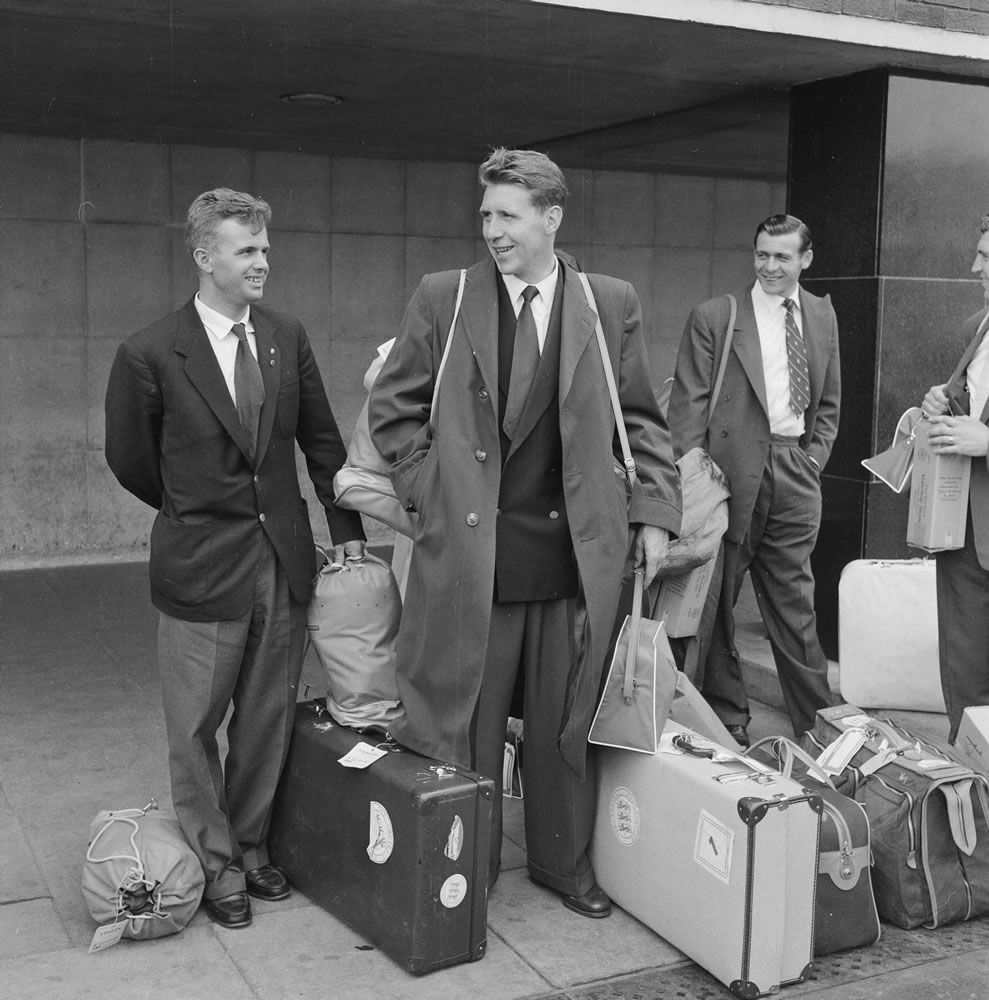 1958 England football team return home Art Print
