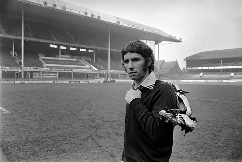 Alan Ball leaves Goodison Park. Alan Ball signed by Arsenal for £220,000.. Art Print