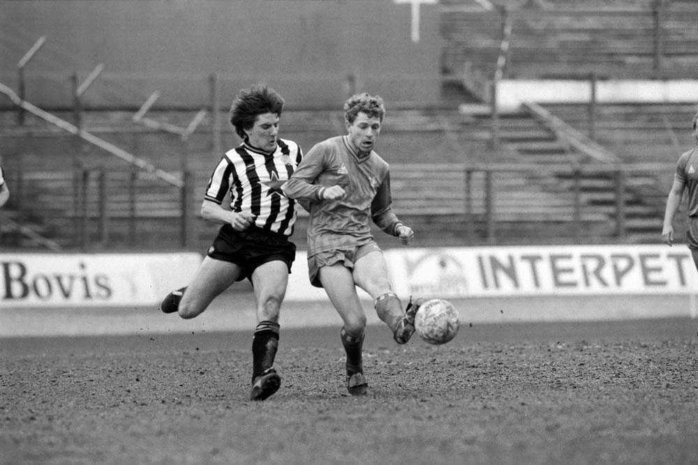Chelsea 1 v Newcastle 1. Division One.. Art Print