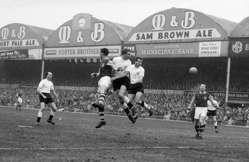 1962 FA Cup, Burnley 1 v Fulham 1... Art Print