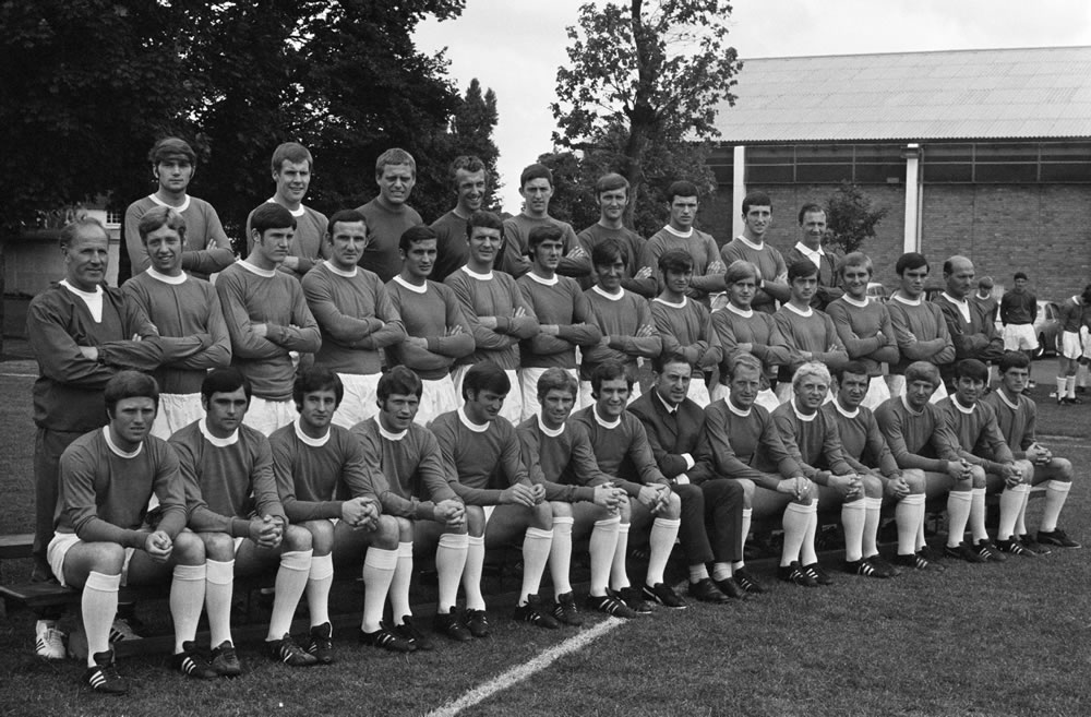 Everton squad pose for a group photograph at their annual photocall at.. Art Print
