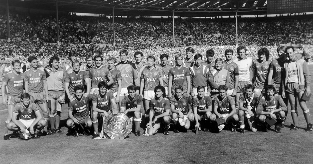 Charity Shield match at Wembley Stadium. Everton and Liverpool team share.. Art Print