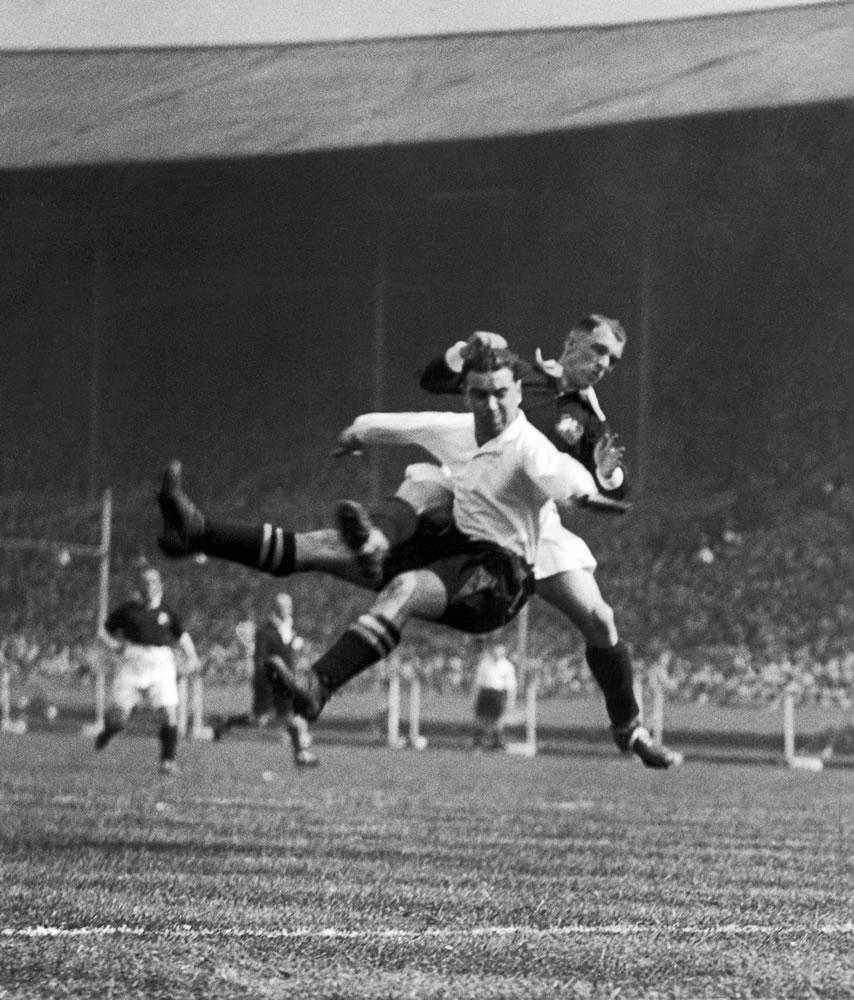 1933 FA cup final at Wembley. Everton 3 v Manchester City 0. Everton's.. Art Print