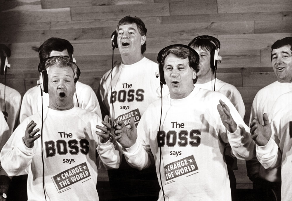 England manager Bobby Robson in a recording studio with Northern Ireland.. Art Print