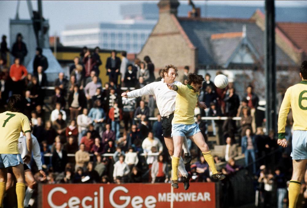 Bobby Moore, 1974. Fulham v West.. Art Print