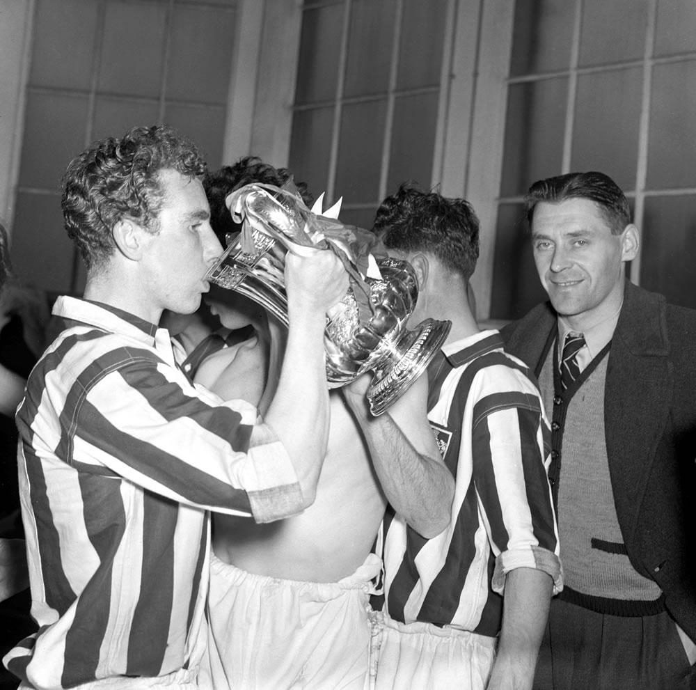 1954 FA Cup Final at Wembley Stadium. West Bromwich Albion 3 v Preston.. Art Print