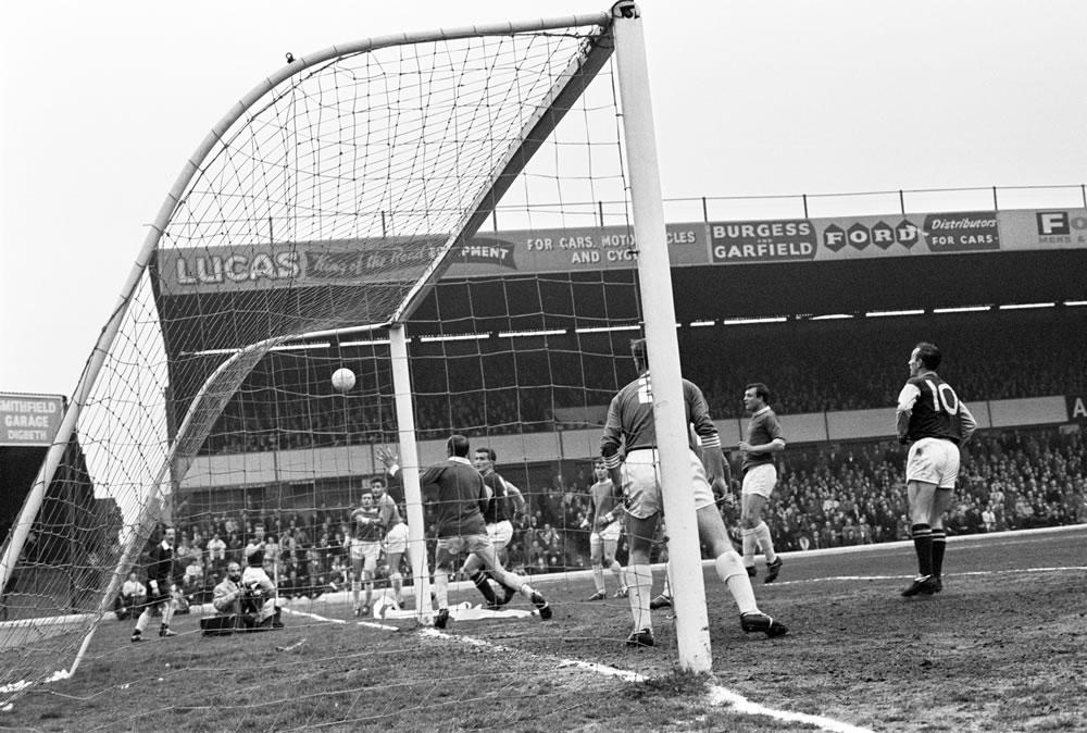 1963 League Cup Final Second Leg at.. Art Print