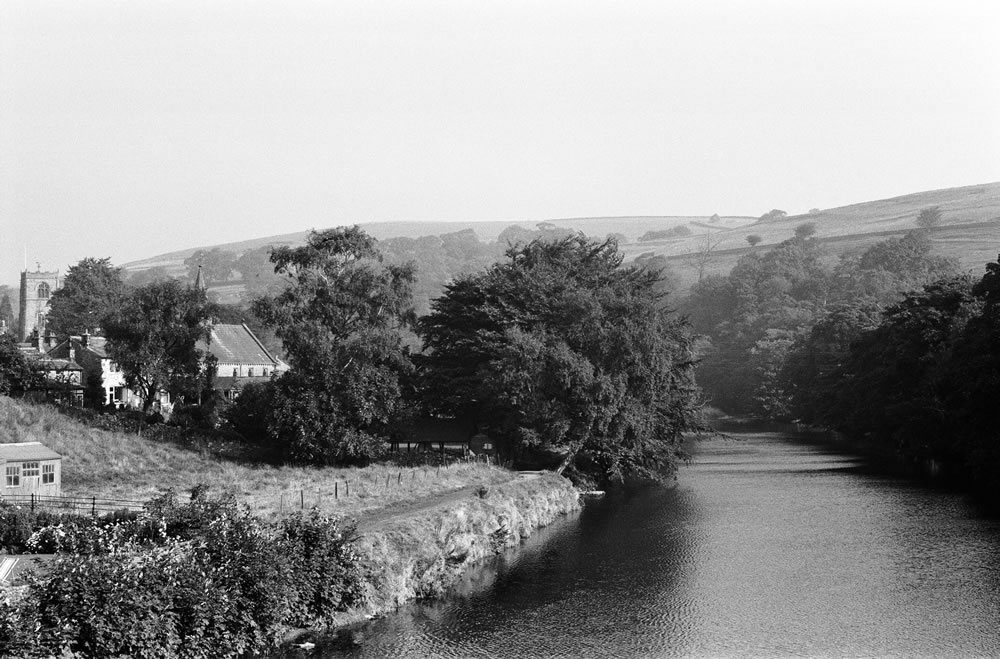 Burnsall, near Skipton, North.. Art Print