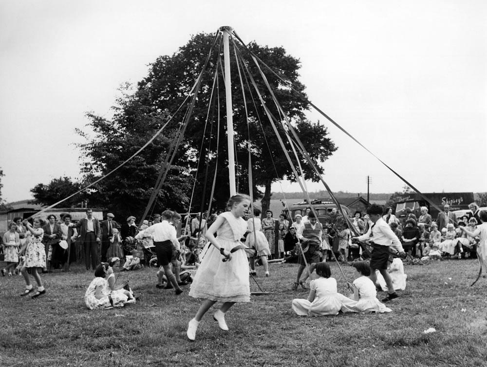 Maypole Dancing at Wishford, Wiltshire.. Art Print