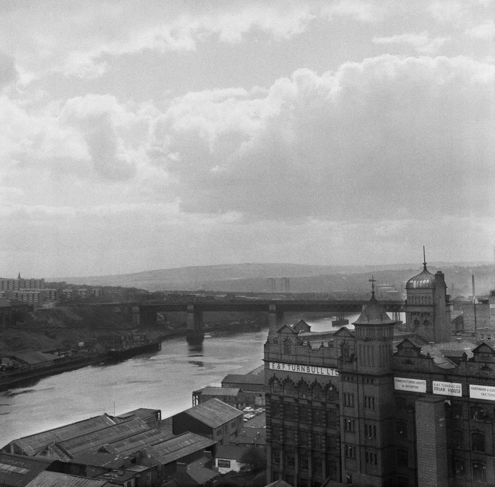 A view of the River Tyne from the.. Art Print