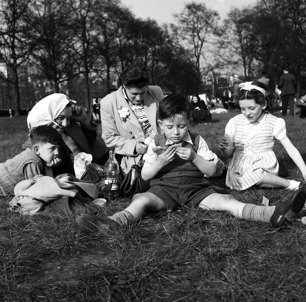 The Hayden family have a picnic in St.. Art Print