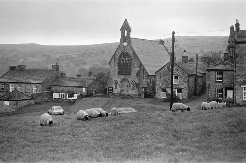 Yorkshire Dales, Sunday 24th October 1982. Richmond, Swaledale, North.. Art Print