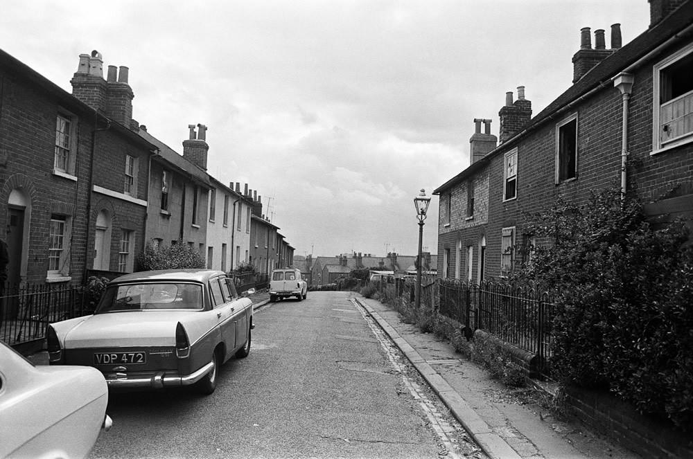 Waterloo Road, Reading, Berkshire, 1970 Art Print