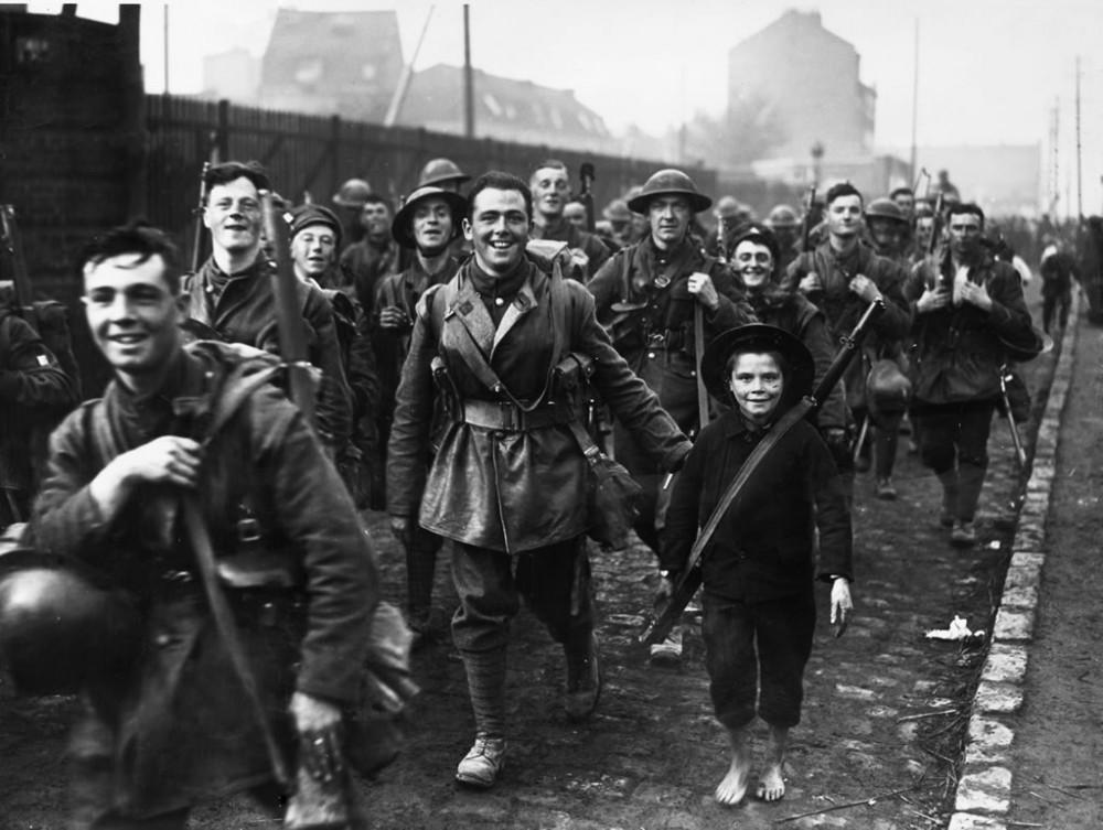 WW1 Western Front 1918 - Art Print Art Print