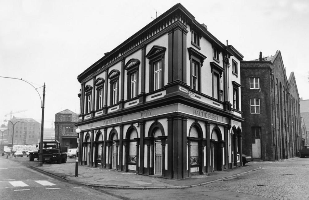 Baltic Fleet Pub, Liverpool 1979 - Art Print Art Print