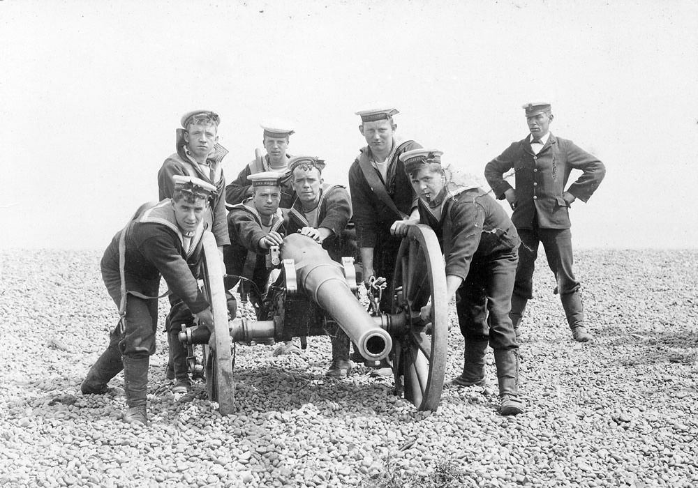 Field Gun Training for HMS Wildfire Art Print