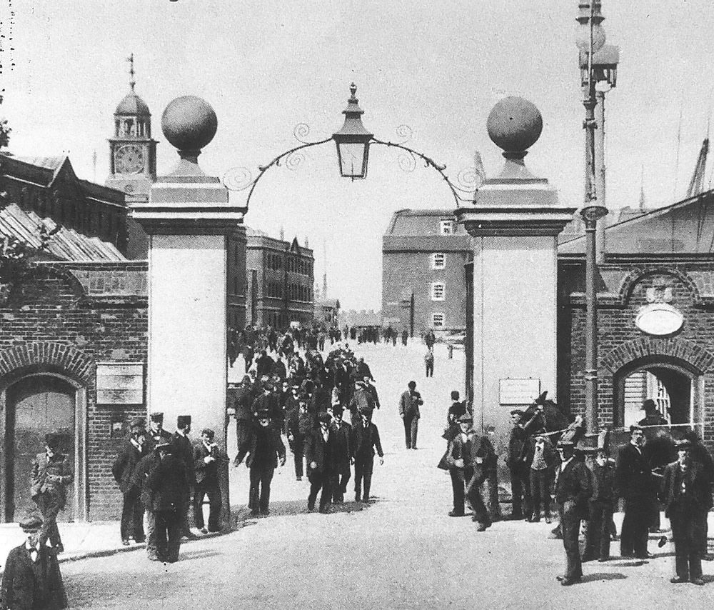 Main Gate of Portsmouth Dockyard in 1904 Art Print