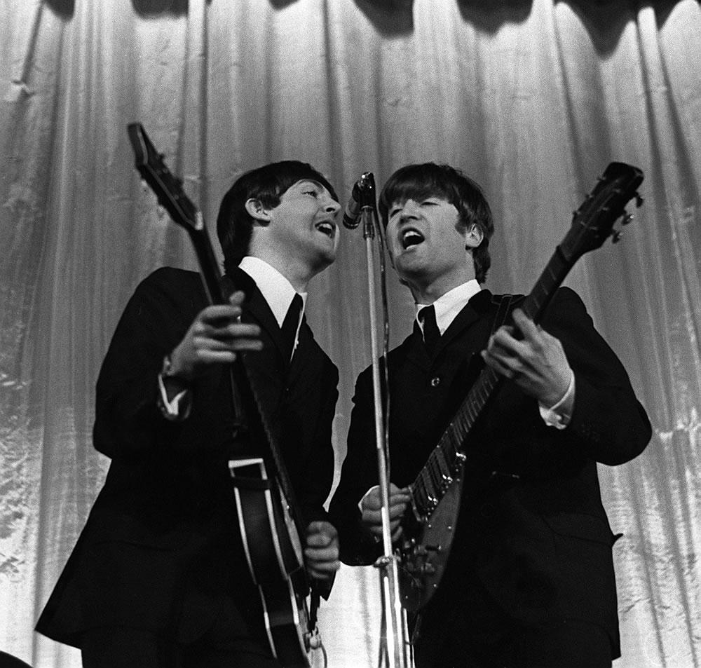 Paul McCartney and John Lennon in 1964 Art Print